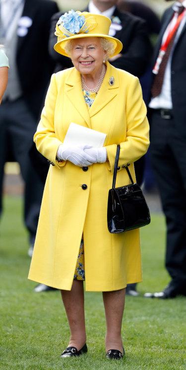 2018: the Queen in yellow.