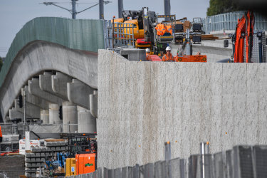 Construction projects such as the removal of level crossings across Melbourne are supporting the manufacturing sector but the COVID-19 pandemic continues to hit businesses.