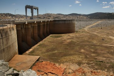 Wyangala Dam when it all but dried out towards the end of the Millennium Drought in 2009. The NSW government wants to lift the dam wall in a project that may end up being triple the initial estimated cost.