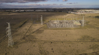 Lumea, a spinoff from the TransGrid company, plans to build a giant new battery at Deer Park, in Melbourne's west. The project is a turning point because the owners say it won't need any government support to proceed.