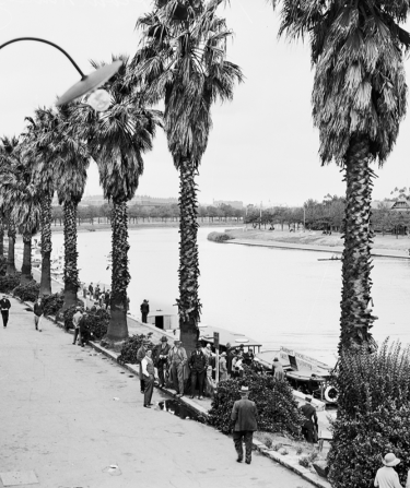 The Yarra River near Princes Bridge 1933.