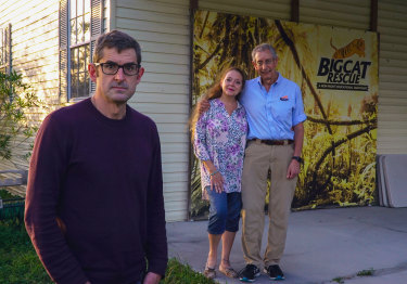Louis Theroux with Carole and Howard Baskin at Big Cat Rescue in Florida.