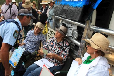 Farmers say they won't give up their efforts to stop coal seam gas development in their regions, and will also oppose gas pipelines linking any fields that proceed.