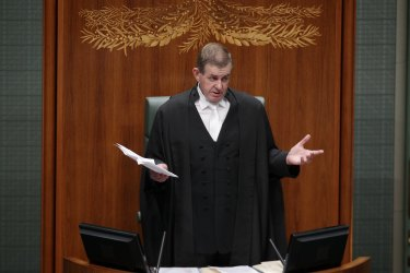 Former speaker Peter Slipper announces his resignation in 2012.