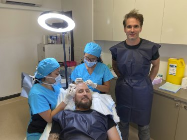 Todd Sampson explores the rise of body image dissatisfaction in <i>Mirror Mirror</i>.