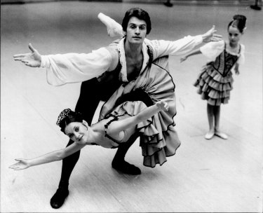 """""""The whole company is united"""" ... Principal dancer and union representative Paul de Masson performs with Terese Power in the Australian Ballet's 1979 production of Don Quixote"""