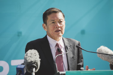 Optus Chief Executive Allen Lew announces the details of the telco's new 5G network.