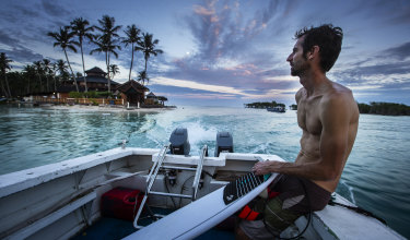 A team of students and academics from the University of Wollongong (UOW) travelled to the remote Mentawai Islands located off West Sumatra in Indonesia to test the 3D printed fins.