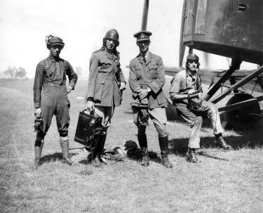 The pilots and crew of the Vickers Vimy Plane which made the first flight from England to Australia in 1919.