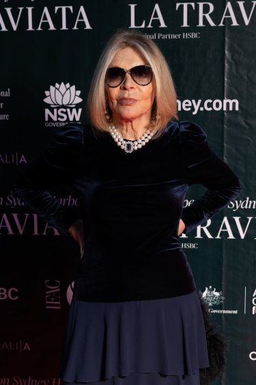 Legendary fashion designer Carla Zampatti has died a week after a fall at an opera premiere on March 26, 2021.