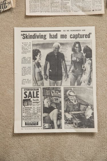 Photographer Ron Iredale's famous picture of Holt with his three bikini-clad daughters-in-law.