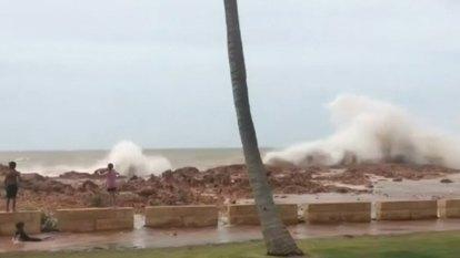 WA flood warning as Cyclone Veronica passes