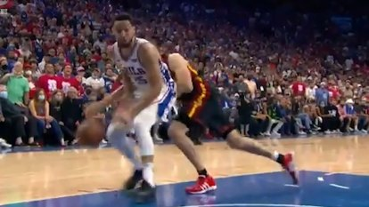 Ben Simmons passes up an easy dunk in the 76ers' Game 7 loss to the Hawks.