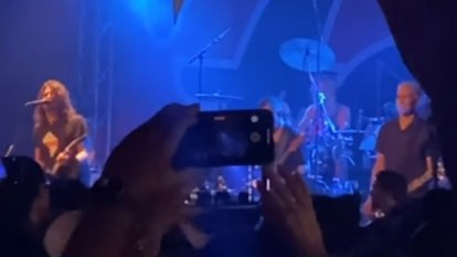 Foo Fighters perform Best of You at California concert