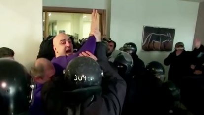 Dramatic footage of Georgian opposition leader arrest