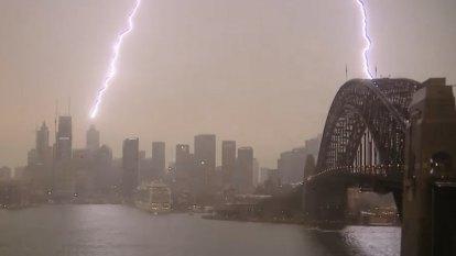 Double bolt of lightning across Sydney Harbour