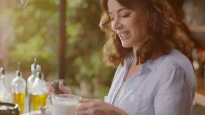 Nigella Lawson pronounces 'microwave'