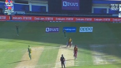 South Africa's Twenty20 World Cup campaign has taken a hit with superstar keeper-batsman Quinton de Kock withdrawing.
