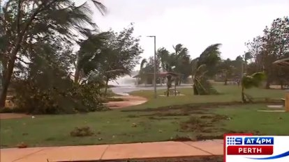 Cyclone Veronica weakens as it moves inland from WA coast