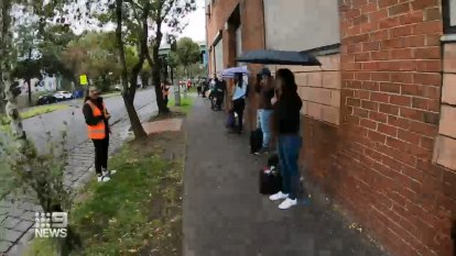 Coronavirus: Foreign students line up for food relief