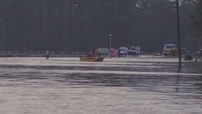 East coast flood warning after heavy rain