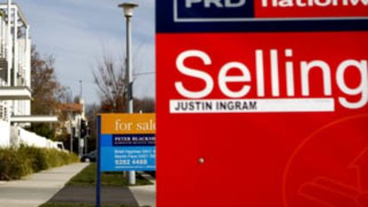 Unions hit back at calls to scrap lease variation charge