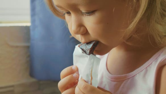 How to tell which store bought kids' snacks are the healthiest