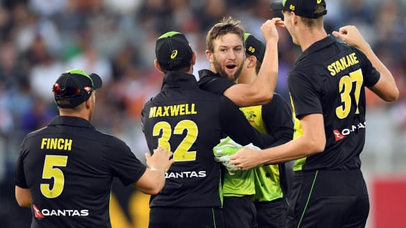 Australia clinch Twenty20 tri-series as DLS reigns