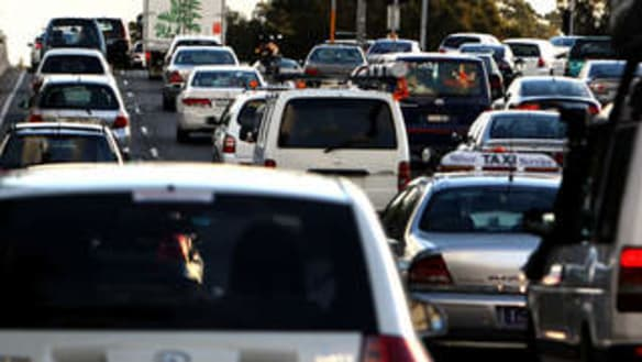 Four in Hospital after four-car crash closes Pacific Motorway