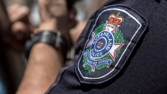 Mackay police officer struck by vehicle