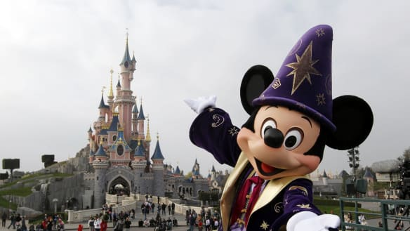 Disneyland dot com - police asked to probe spending at web agency