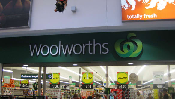 Woolworths employee scammed $17,000 with fake cash register transactions