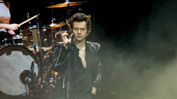 Harry Styles brings screaming, strutting and hysteria to Melbourne
