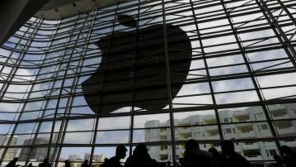 Samsung ordered to pay Apple $711m in patent retrial
