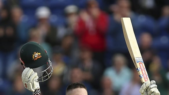 Marsh hurt in injury scare for Aussies