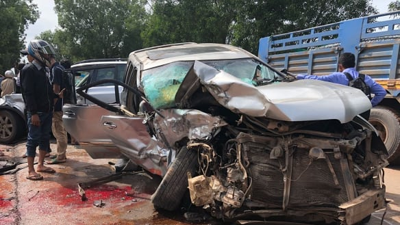 Cambodian prince hurt in car crash, wife killed, ahead of elections