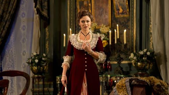 Review: Reliable classic La Traviata shines a little less bright