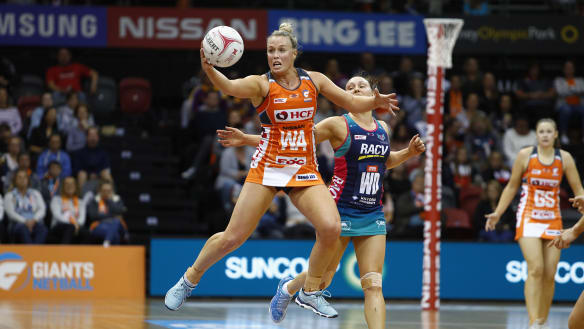 Giants hold off surging Vixens for 58-51 Super Netball win