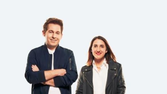 KIIS FM hosts Jase and PJ stop traffic with bizarre radio stunt