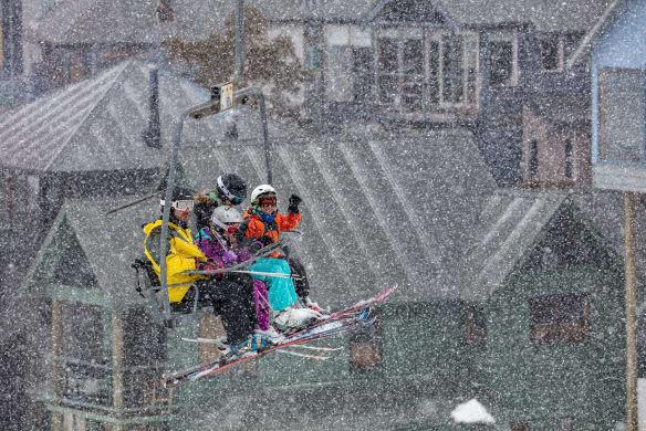 Storms, hail, snow, wind: Wintry weekend ahead