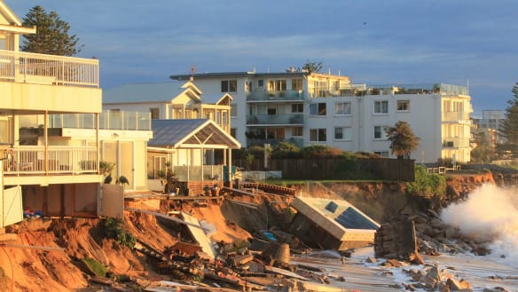 Residents fear further property damage as Collaroy seawall stalled by red tape
