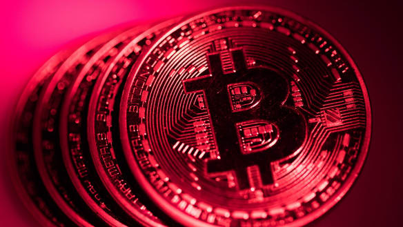 Bitcoin tumbles, then steadies as fears of cryptocurrency crackdown linger