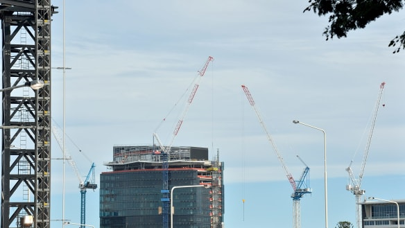 Building approvals drop in Queensland for fifth month