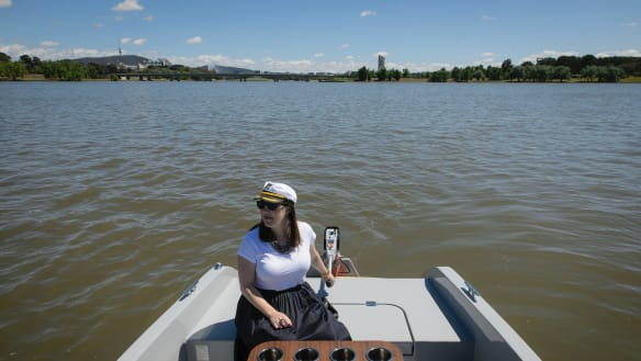 We tried... skippering a GoBoat Canberra on Lake Burley Griffin