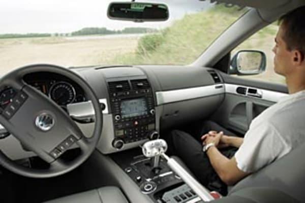 Mercedes benz plans autopilot car for this year for Mercedes benz autopilot