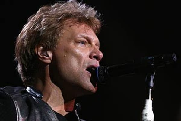 review bon jovi at brisbane 39 s suncorp stadium. Black Bedroom Furniture Sets. Home Design Ideas