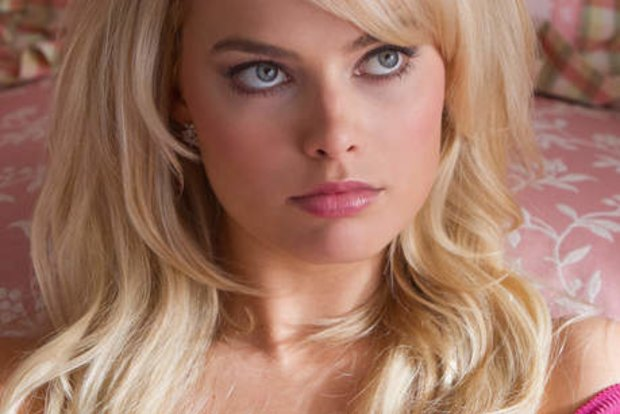 Margot robbie nude wolf of wall street spreading Margot Robbie Admits To Lying About Her Nude Scenes In The Wolf Of Wall Street