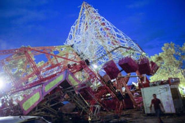 Tornado tears through Spanish funfair