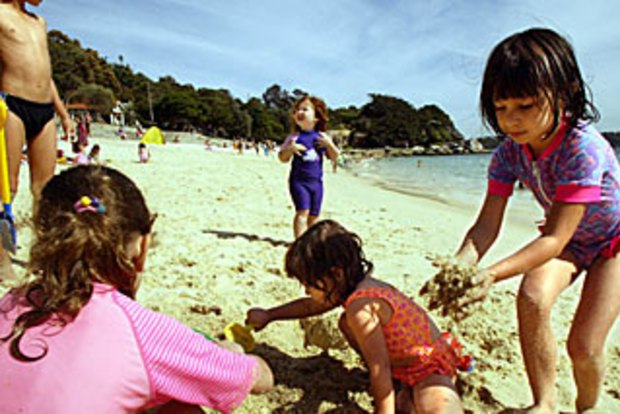 642f37859 WA kids told to get barefoot, wet and dirty to make them better adults