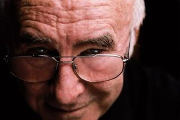 I feel like a multiple car crash in the rain, says a dying Clive James